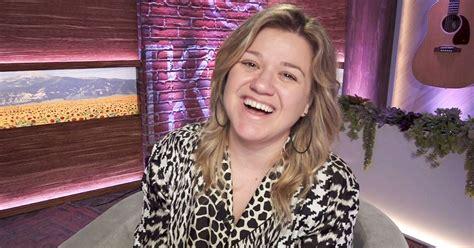 kelly clarkson show returning  studio  covid