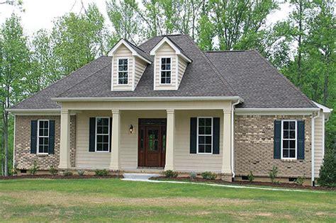 country house plan      bdrm  sq