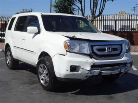 Sell Used 2009 Honda Pilot Touring Damaged Repairable