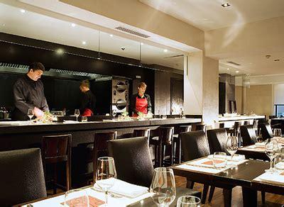 restaurant cuisine ouverte les très tendances open kitchen le spectacle est en cuisine chefs pourcel