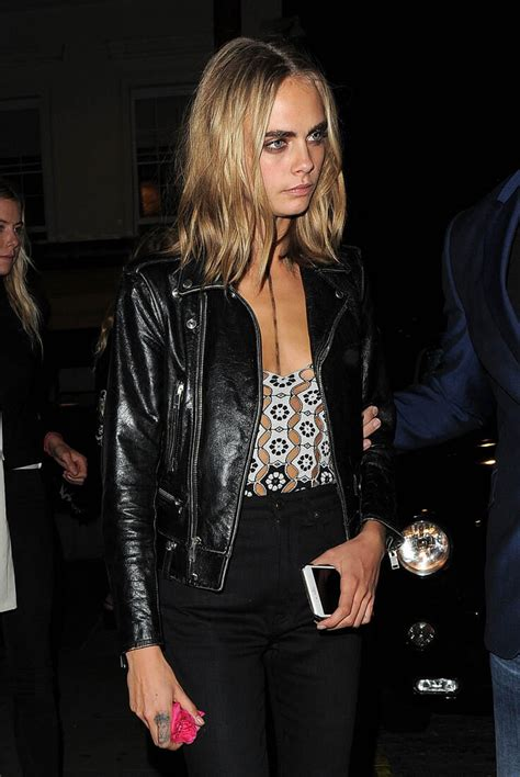delevingne  burberry show  london fashion