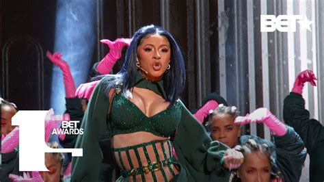 cardi bs  visual press