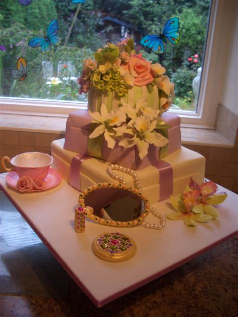 Media in category 60th birthday cakes. women birthday cakes pictures - Google Search | 60th birthday cakes, Birthday cake with flowers ...