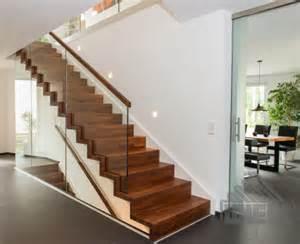 handlauf treppen wiehl treppen aufgesattelte treppen