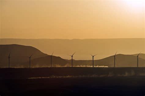 vestas wins senegals  utility scale wind farm