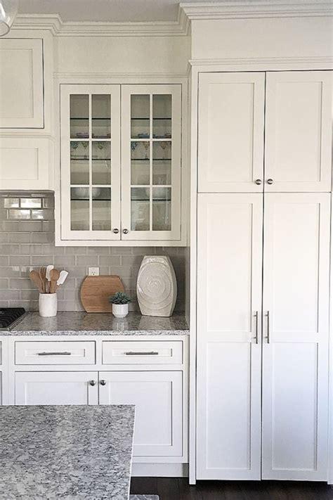 photos of kitchen backsplash white kitchen white cabinets inset cabinets benjamin 4162