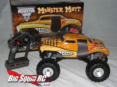 monster mutt truck videos traxxas monster jam monster mutt review 171 big squid rc