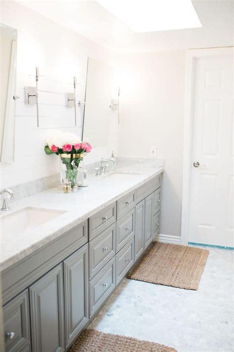 White Shiplap Bathroom by 25 Best Ideas About White Shiplap On Shiplap