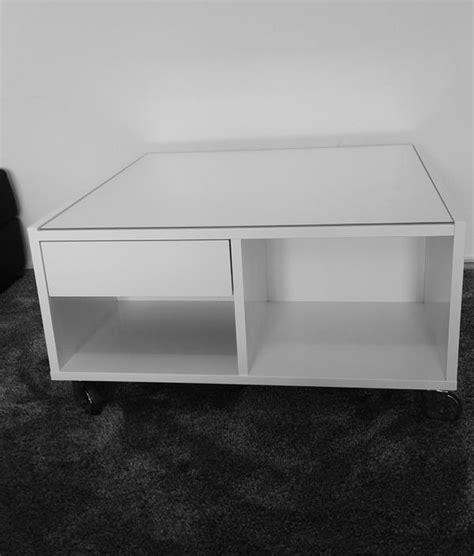 Wohnzimmertisch Weiß Ikea by Ikea Boksel Couchtisch Wohnzimmer Tisch Glasplatte Rollen