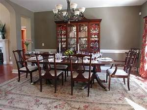 Pictures of dining tables decorated formal dining room for How to decorate a formal dining room