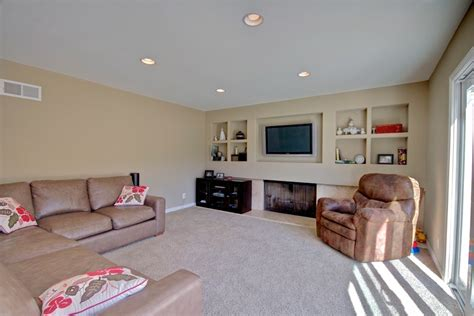 Paint Colors To Make Living Room Look Bigger by Home Staging Tips How To Make A Small Room Look Bigger