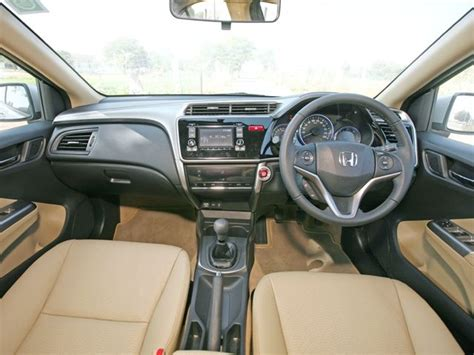 honda city aspire   vtec price  pakistan  color