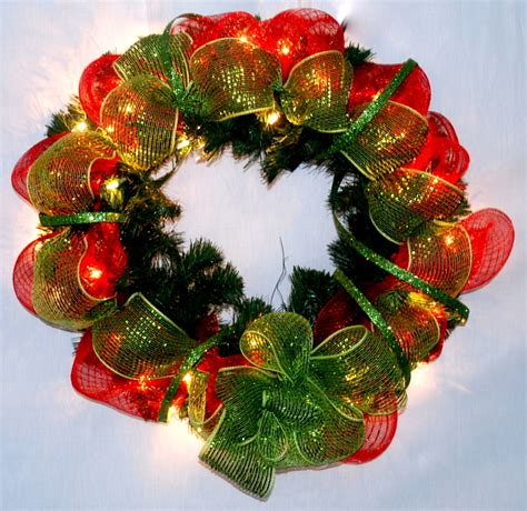 how to make mesh garland with lights wreath bows garland bows and tree bows dallas plano