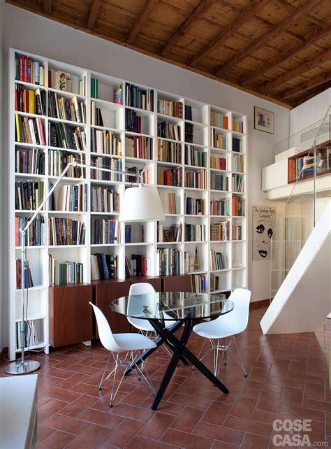 libreria grande un monolocale liato in altezza cose di casa