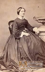 Cdv 4x4 : elegant woman french fashion old cdv photo 1860 39 ~ Gottalentnigeria.com Avis de Voitures