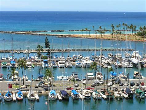 File:Ala Wai Harbor, Honolulu.jpg - Wikimedia Commons