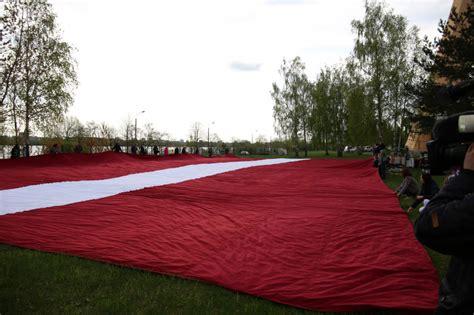 Zaķusalas TV tornī pacels visu laiku lielāko Latvijas ...
