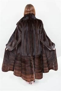 Manteau Femme Petite Taille : long manteau en fourrure veritable ~ Melissatoandfro.com Idées de Décoration