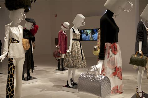 LOUIS VUITTON THE ART OF FASHION EXHIBITION BY KATIE GRAND | The Skinny Beep