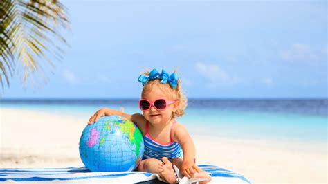 bebe  la piscine ou  la plage  accessoires dont il