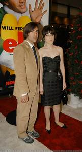 Pin Zooey Deschanel In Pantyhose on Pinterest