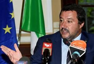 Italy adopts controversial anti-migrant decree