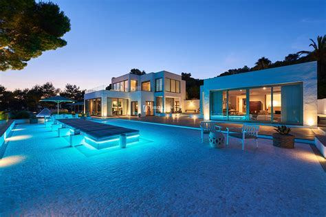 6 bedroom super luxury villa situted in Km5 - Ibiza Services