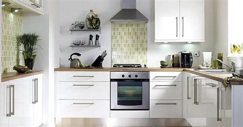 B Q Kitchen Cupboard Handles by B Q Gloss White Slab Kitchen Cabinet Doors Fronts