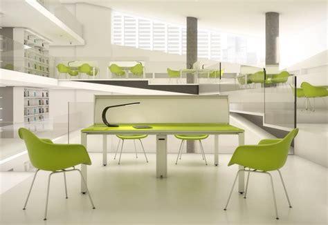 des modèles innovants au salon du mobilier de bureau à