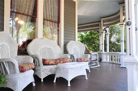 Outdoor Front Porch Furniture by How To Facelift Your Porch Interior Designing Ideas
