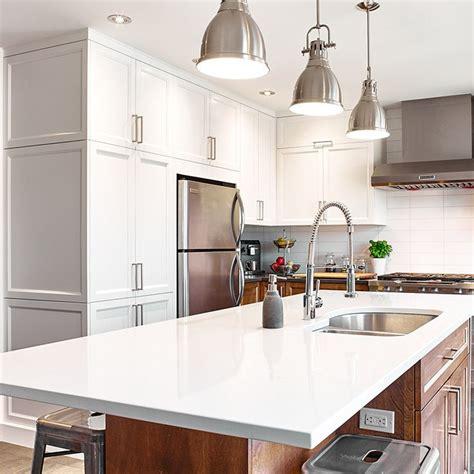 renover des armoires de cuisine 25 best ideas about armoires en merisier sur