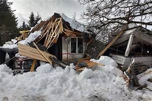 PHOTOS: 2 homes collapse under heavy snow load in B.C ...