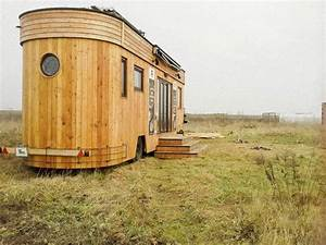 Tiny House österreich : green roofed off grid austrian microhome filters greywater for reuse treehugger ~ Frokenaadalensverden.com Haus und Dekorationen