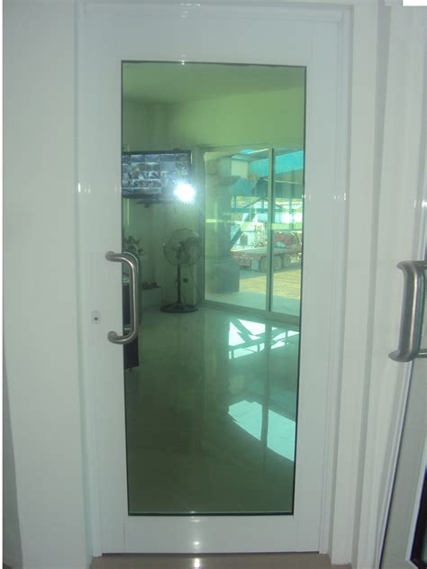 Puertas Batientes de Aluminio | Vidrios y Aluminios Ramos