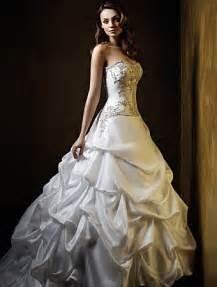 beautiful wedding gowns wedding pictures wedding photos beautiful white wedding dresses photos