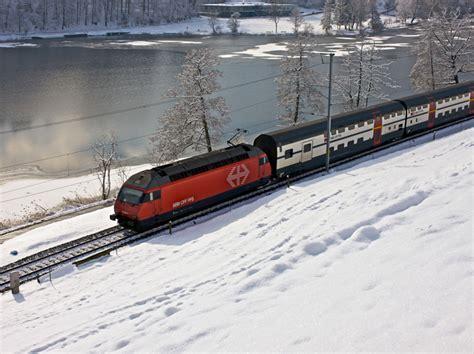 Самые мощные локомотивы в мире (10 фото)