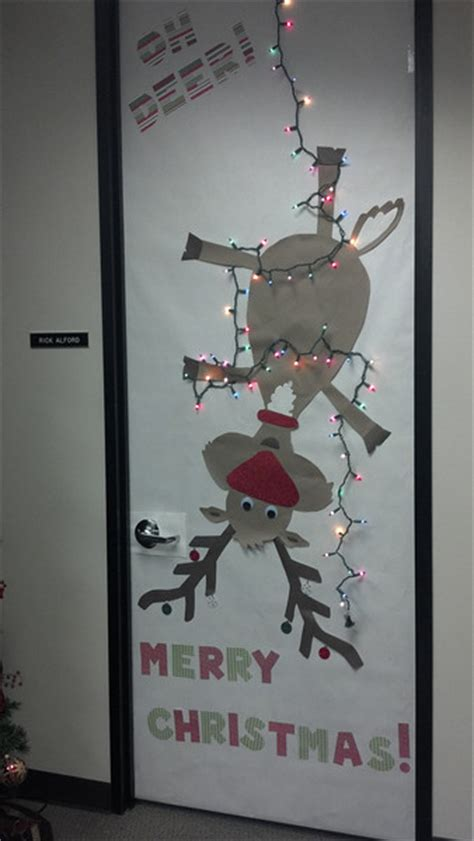 flamingos and fun door decorating contest