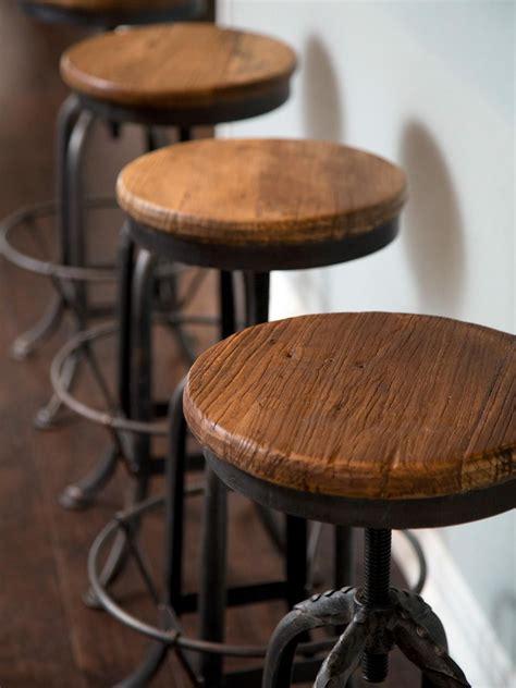 vintage bar stools ideas  pinterest restaurant bar stools  bar stools