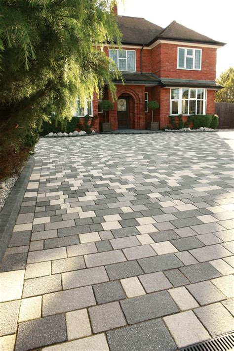 contemporary patio paving best 25 block paving patterns ideas on pinterest