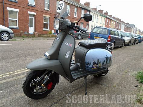 scomadi tl200 vespa gts 300 1 000 miles road test feature scooterlab