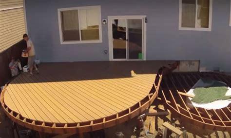 building  curved deck   minutes   jlc