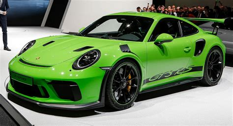 911 Gt Rs by New Porsche 911 Gt3 Rs Proves Less Is More Money Carscoops