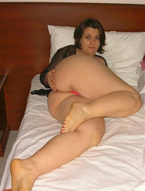 English Bbw S With Wide Hips And Big Asses Big Picture 1