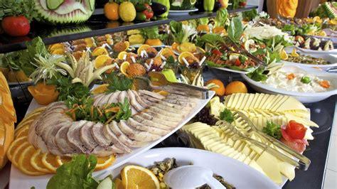 les buffets des tout inclus source de microbes