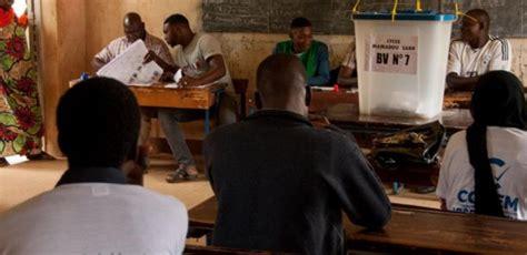 Présidentielle Au Mali  Un Président De Bureau De Vote