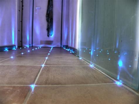 Led Le Für Badezimmer by Led Fliesenbeleuchtung Sorgt F 252 R Ein Schickes Ambiente