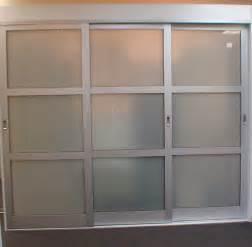 Sliding Closet Doors For Bedrooms by Triple Bypass Closet Doors Home Design Ideas