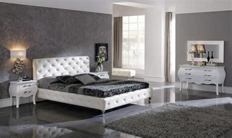 chambre a coucher grise exemple deco peinture chambre chaios com
