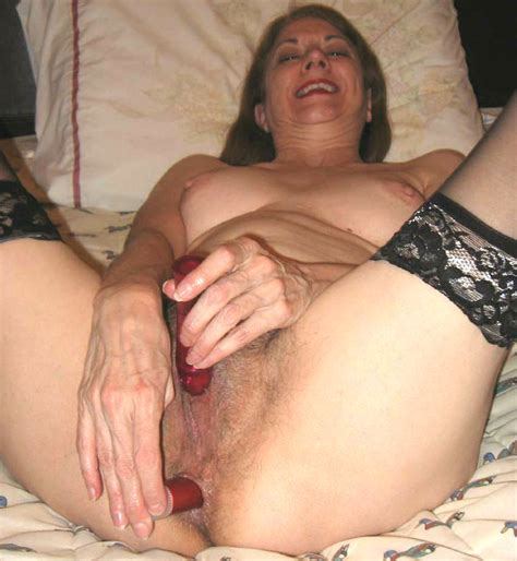 Amateur Anal Hairy Threesome