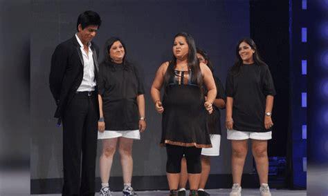 Shah Rukh Khan kisses Bharti Singh in Comedy Nights Bachao ...
